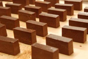 テリーヌショコラ|新安城のお菓子の店(ケーキ屋)|モントル|お誕生日ケーキ・季節のタルト・焼き菓子ギフトなど。カフェ併設